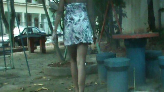 大きなおっぱい汚いとポルノは男と通りの真ん中で売春婦を行います h な 動画 女性 向け