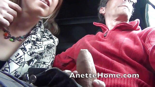 誰かがあなたに路上でフェラチオを与えます 女性 向け エッチ な 動画 無料