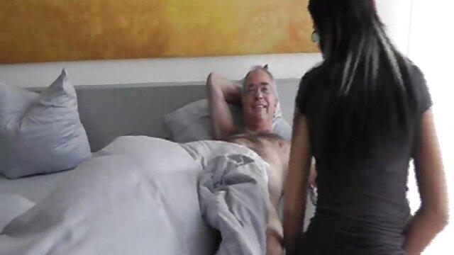 貪欲なおっぱいと野生の性交 女性 用 エロ ビデオ